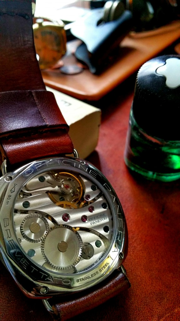 Officine-Panerai-PAM249-table-EiT