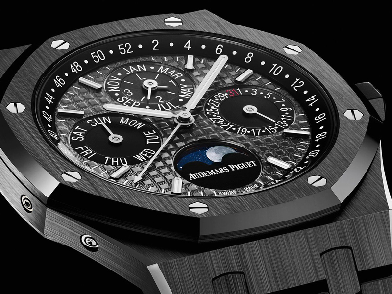 COVER-AP-ceramic-Black-SIHH-2017