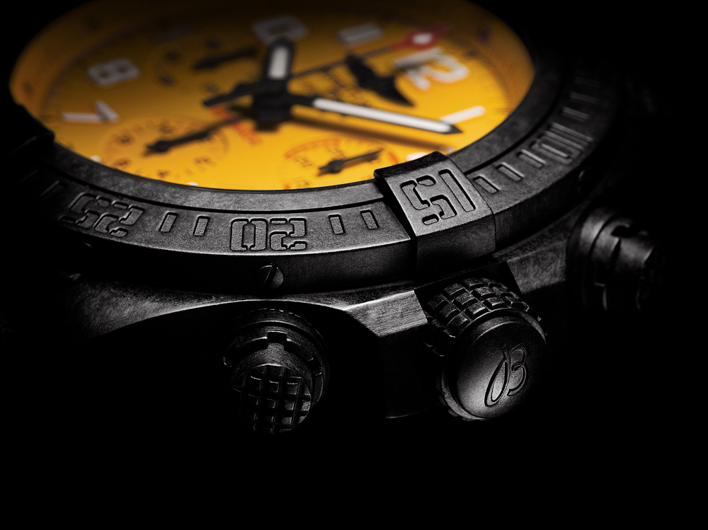 Breitling-Avenger-Hurricane-45_Yellow-Dial_crownCU_1000