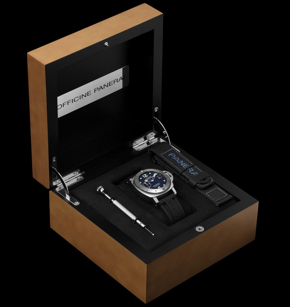 officine-panerai-submersible-pam00731-2