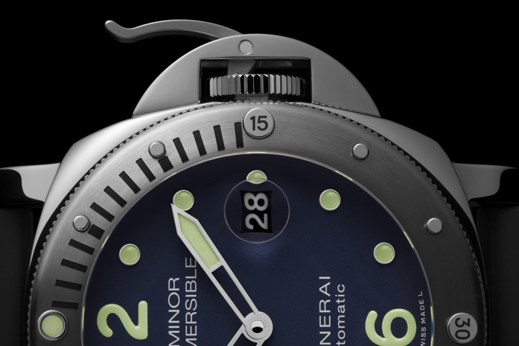 officine-panerai-submersible-pam00731-5