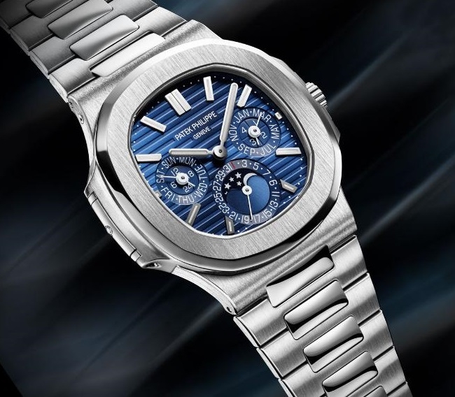 Patek-Philippe_Nautilus_5740_hero-xlarge - Copy