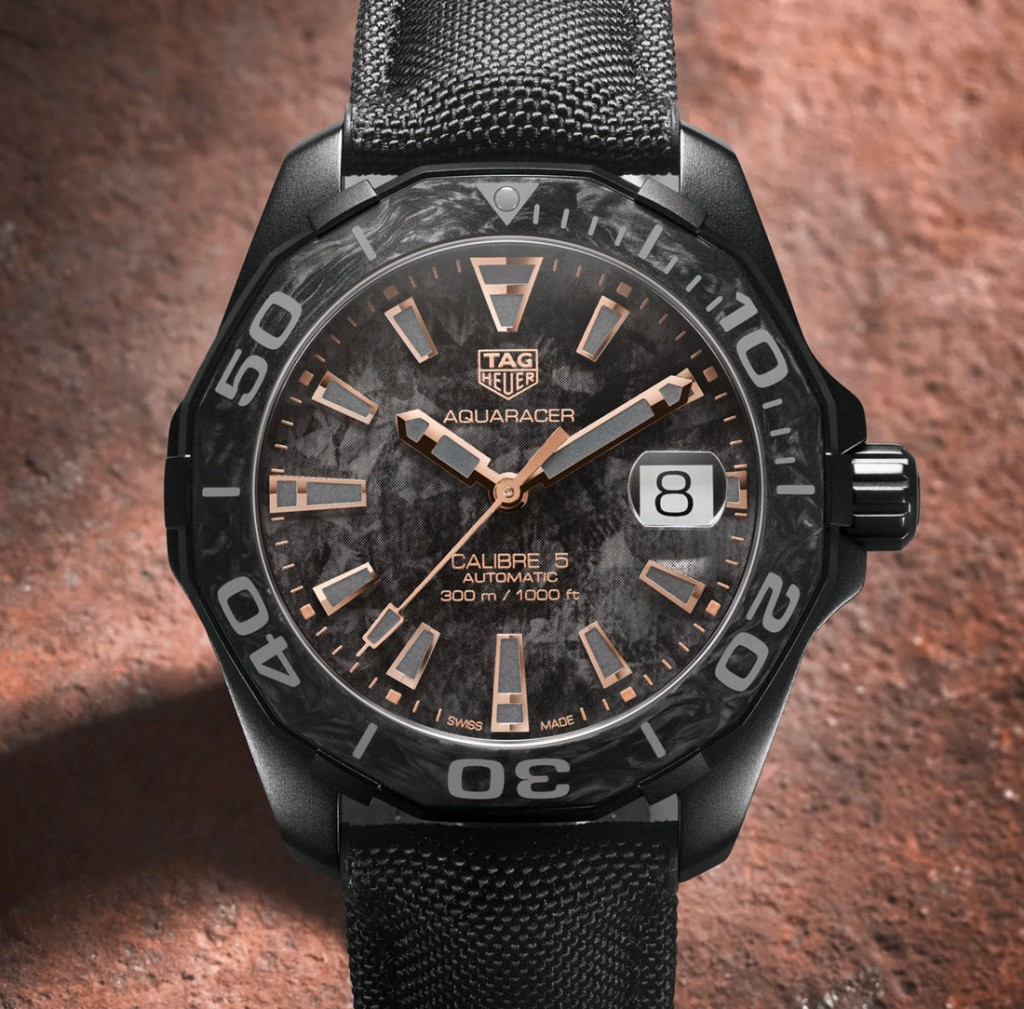 TAG-Heuer-Aquaracer-Carbon-1