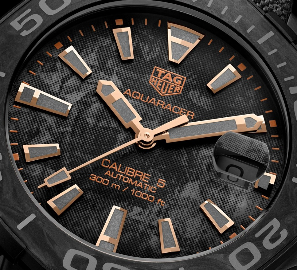 TAG-Heuer-Aquaracer-Carbon-4