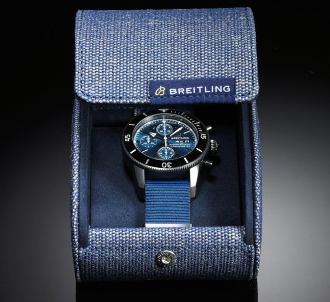 Breitling-SuperOcean-OuterKnown-08-Box