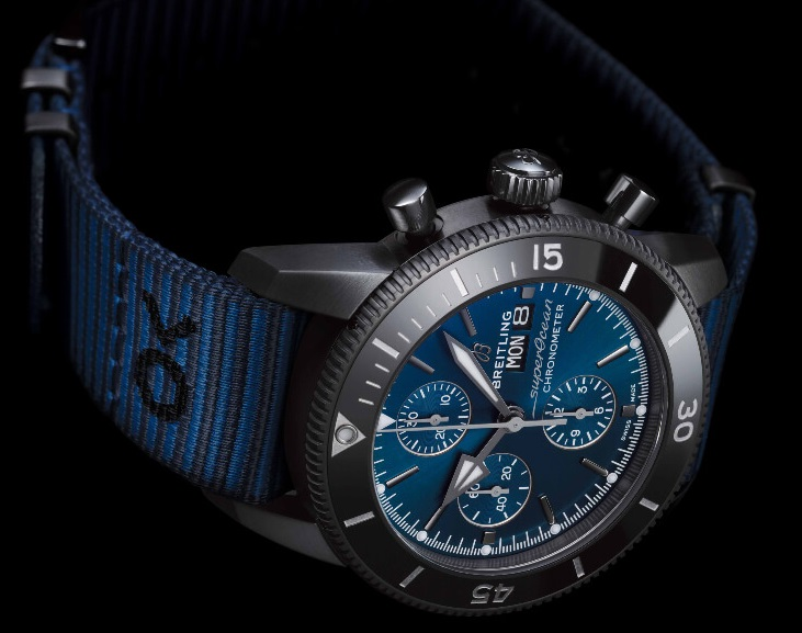 Breitling-SuperOcean-OuterKnown-09