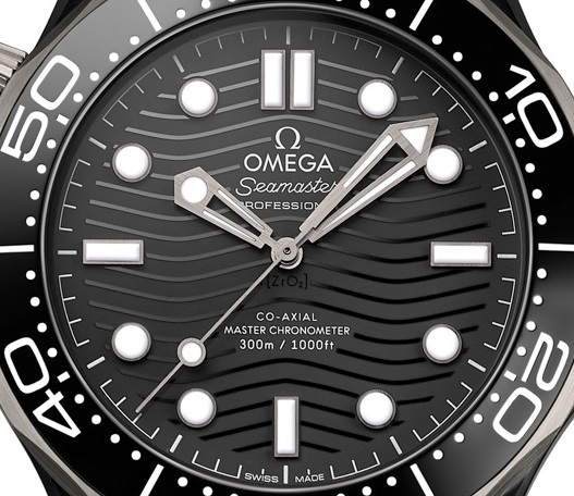 Omega_Seamaster _Diver _300M Black _Ceramic_and_Titanium -210.92.44.20.01.001 - 02