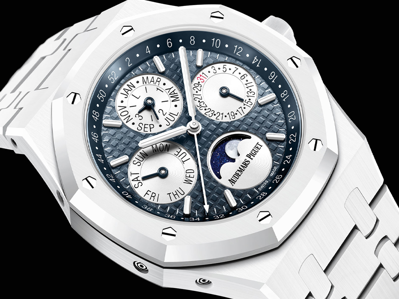 COVER- Audemars-Piguet-Royal-Oak-WHite-Ceramic_