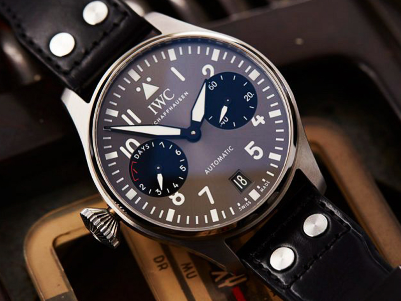 COVER-IWC-Big-Pilot-Right-Hander