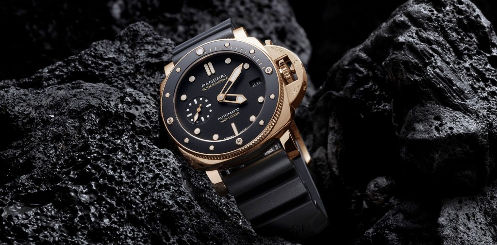 Panerai_Submersible_Pam00974_Goldtech_header.jpg.transform.generic_header_video_image_1920